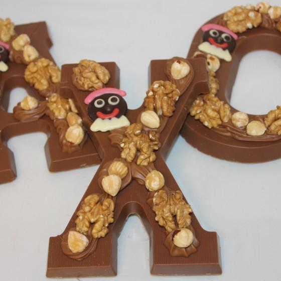 chocoladeletter-opgespoten-praline